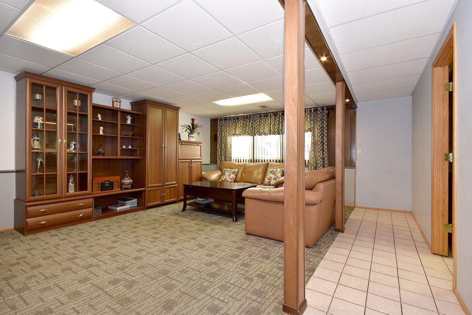 10864 Liberty Grove, Willow Springs, Illinois, 60480