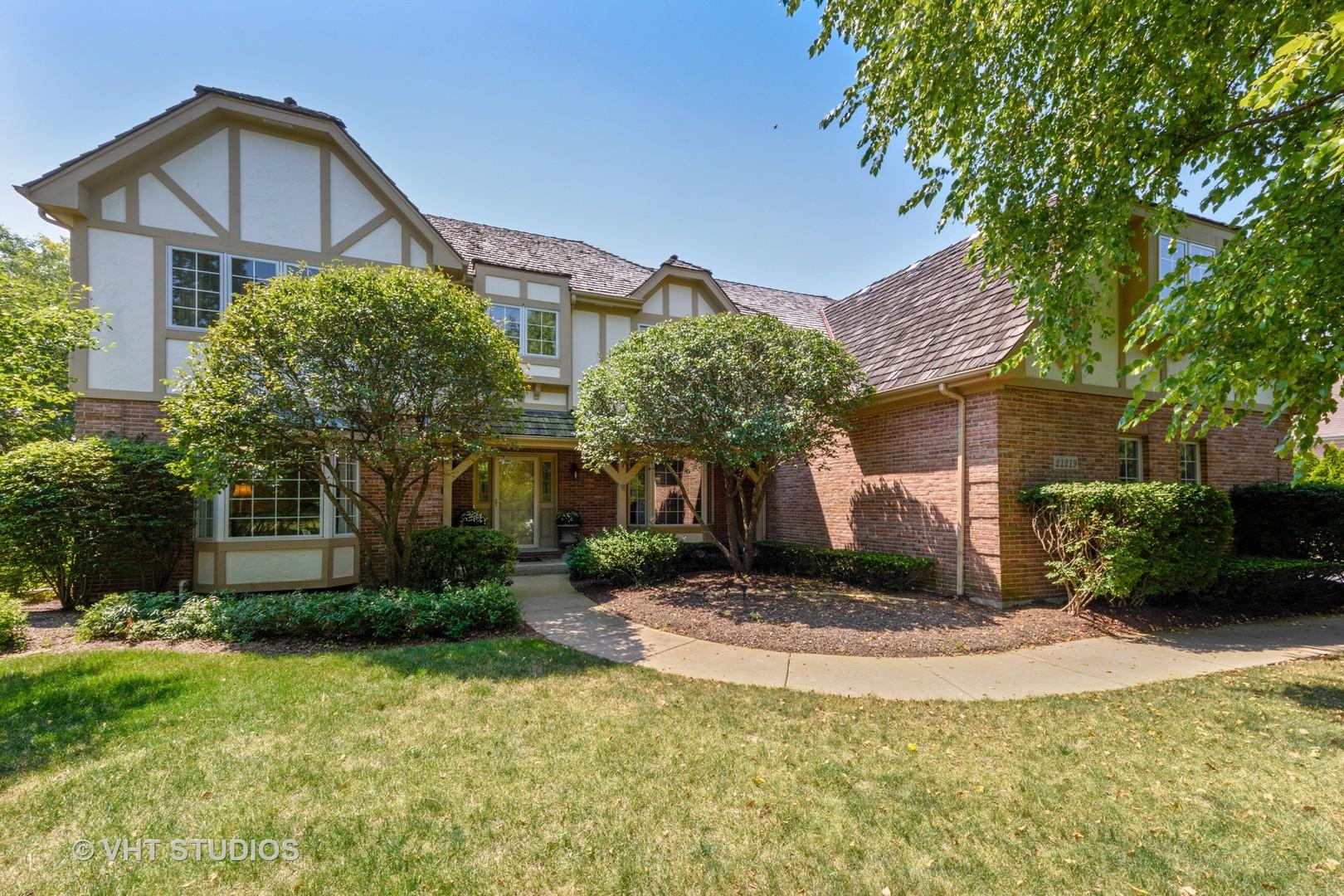 21219 West Creekside Drive, Kildeer, Illinois 60047
