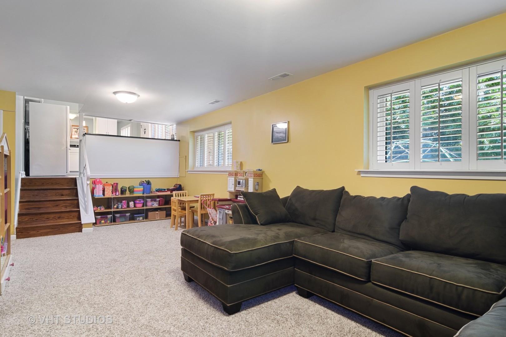 924 Thornton, Buffalo Grove, Illinois, 60089