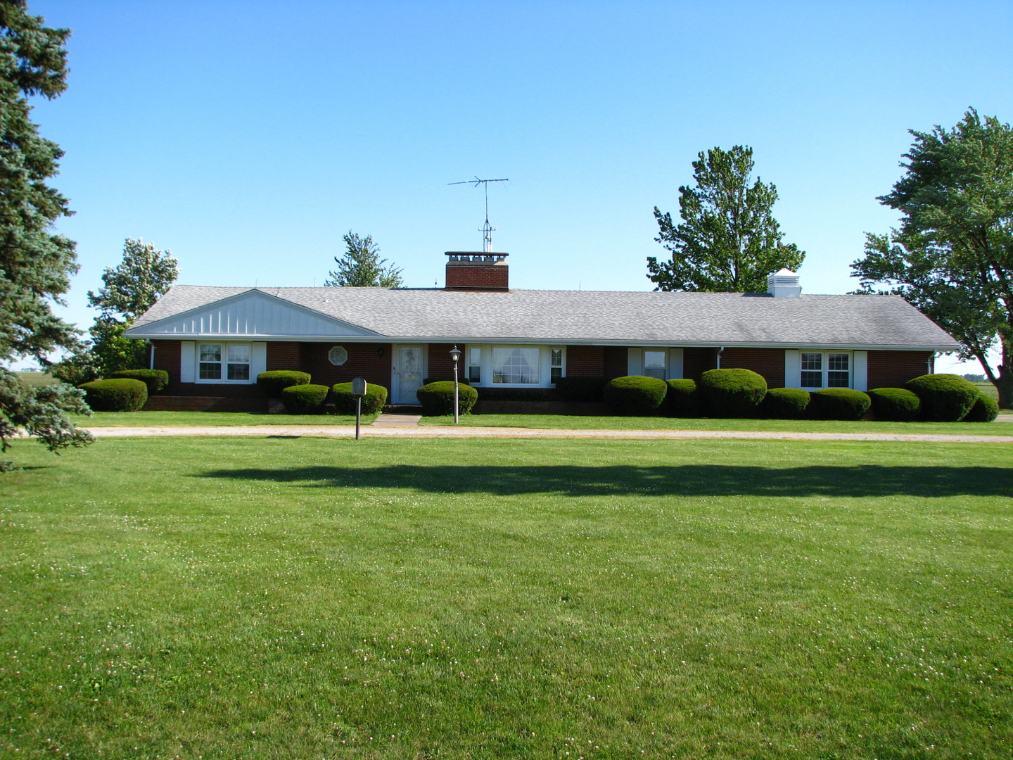 975 East County Road 600n, ARCOLA, Illinois, 61910