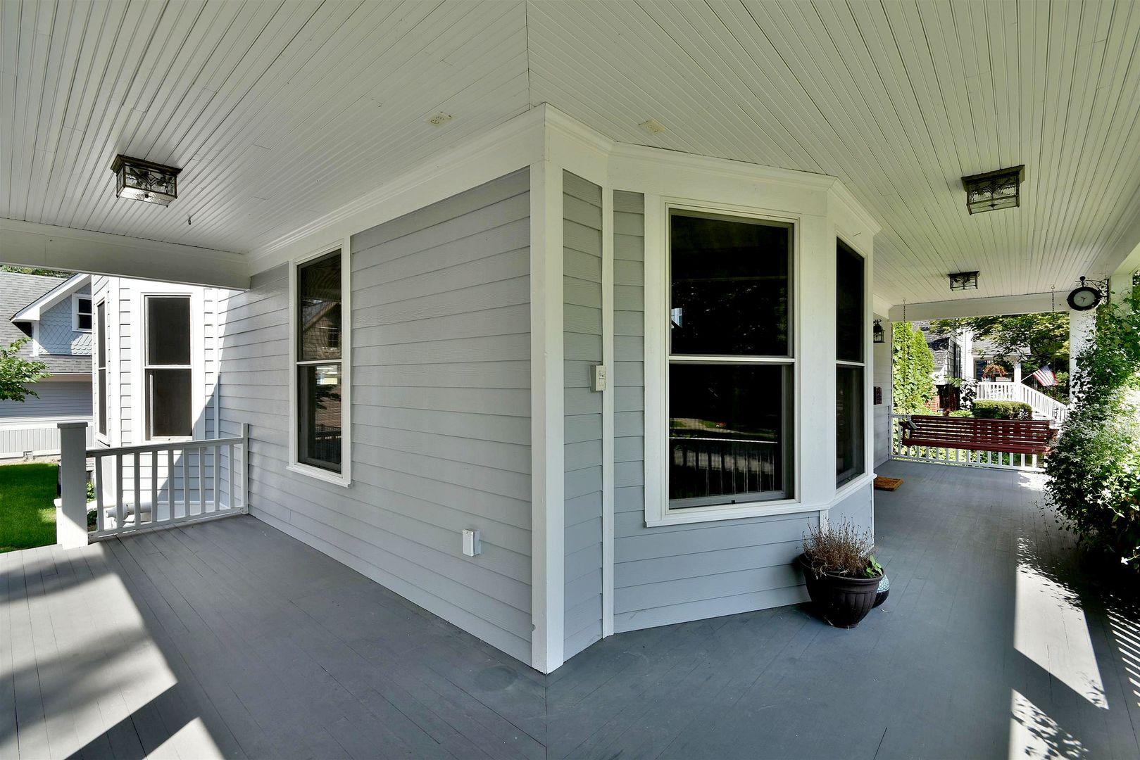 324 South Catherine, La Grange, Illinois, 60525