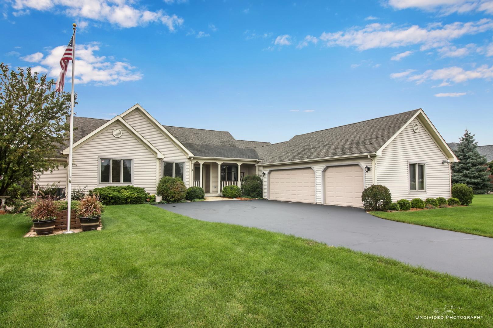 8401 Eagle Ridge Spring Grove, Illinois 60081