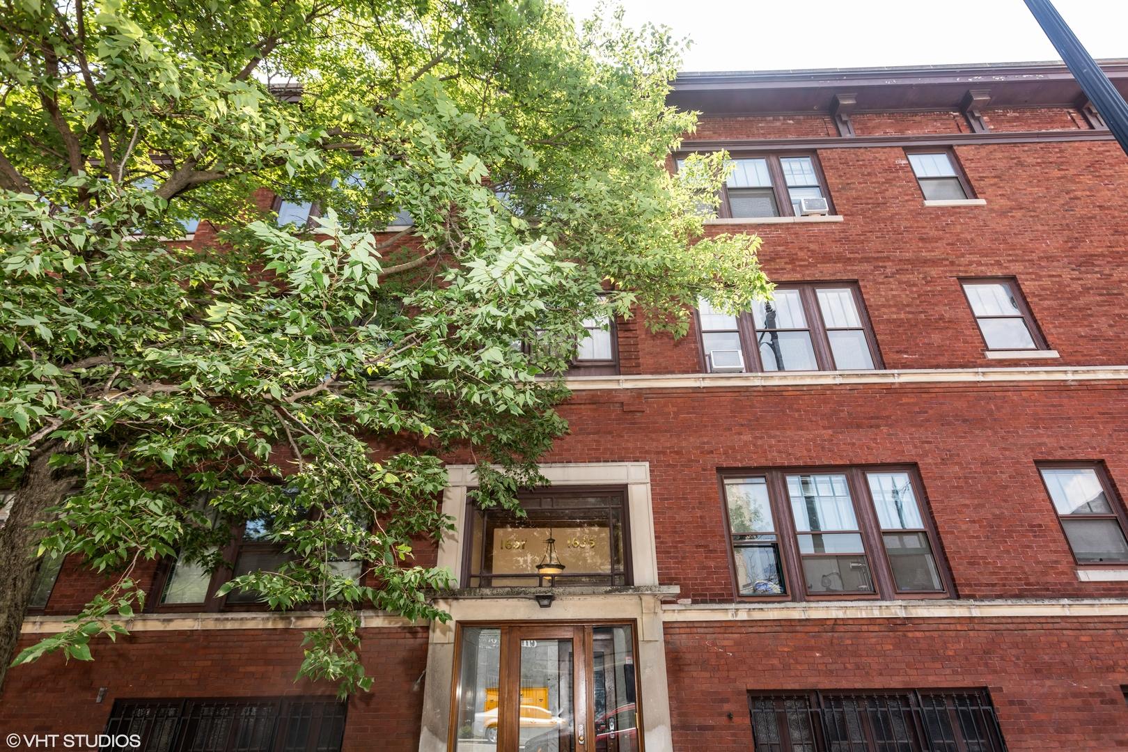 1635 E 53rd Exterior Photo