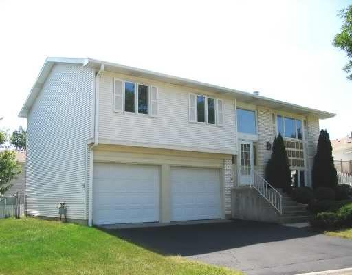 West Sturbridge Ct., Hoffman Estates, IL 60192