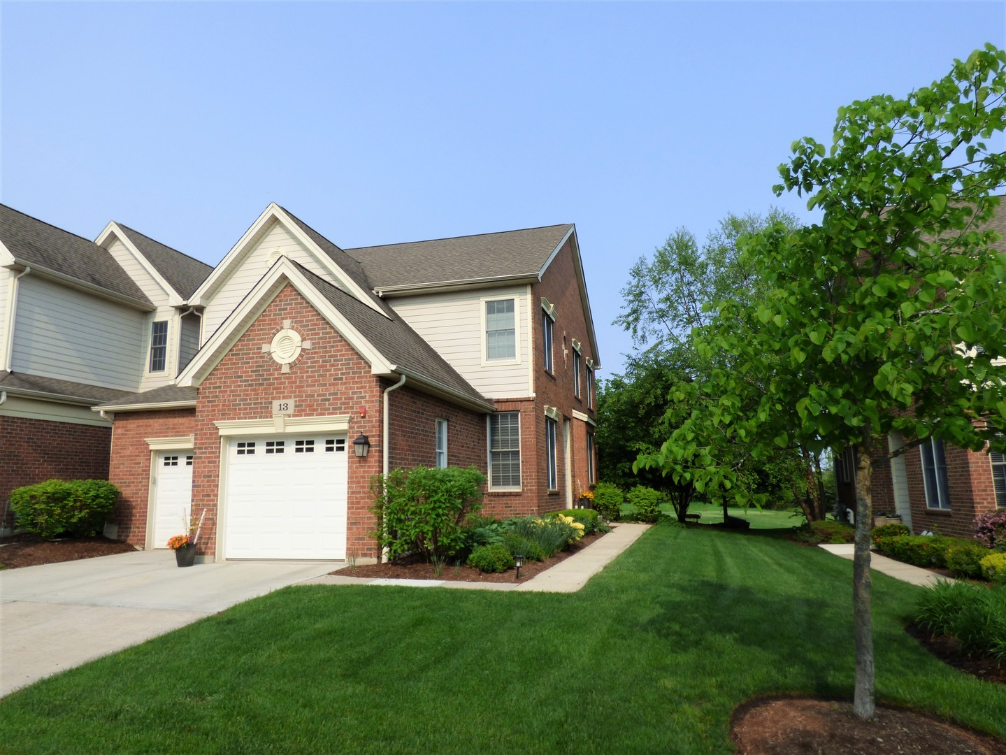 13 Red Tail Drive, Hawthorn Woods, Illinois 60047