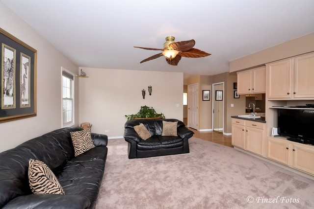 2580 Melbourne, LAKE IN THE HILLS, Illinois, 60156