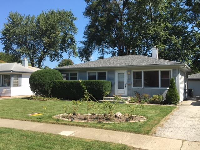 229 North Pershing Avenue, Mundelein, Illinois 60060