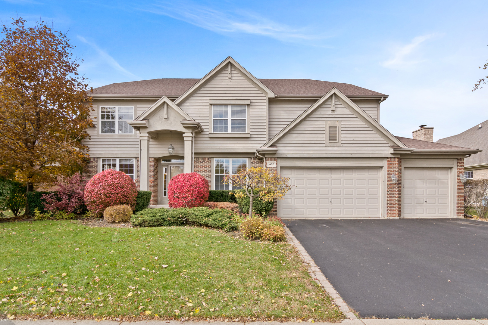 1660 North Cypress Pointe Drive, Vernon Hills, Illinois 60061