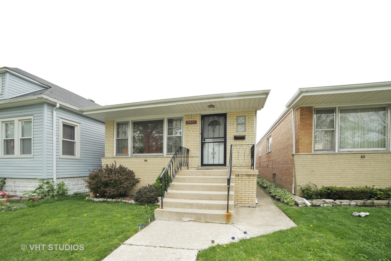9951 South Perry CHICAGO IL, 60628 | Roseland