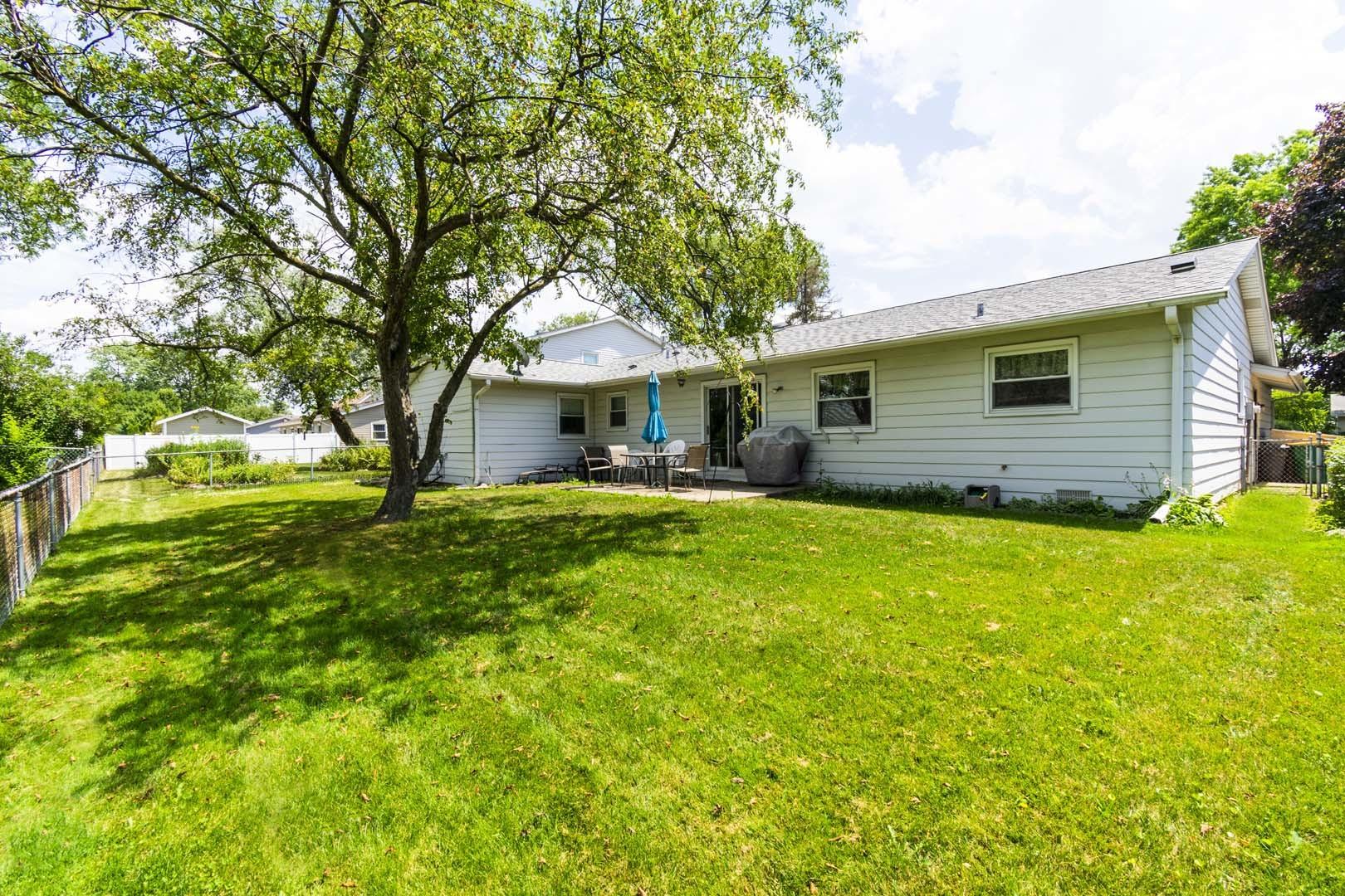 1207 DOVER, ELK GROVE VILLAGE, Illinois, 60007