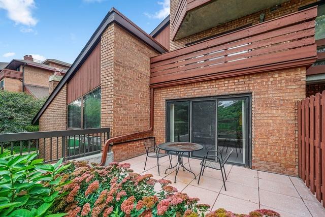 702 Waukegan 5A, Glenview, Illinois, 60025