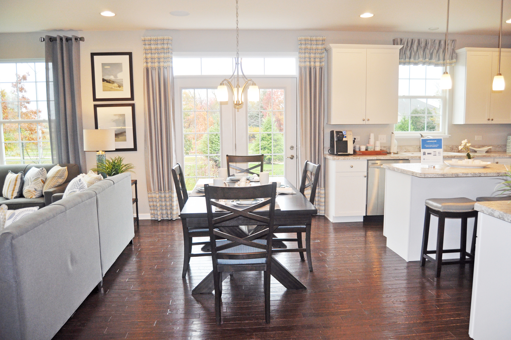 1760 NEWBERRY, Hoffman Estates, Illinois, 60192