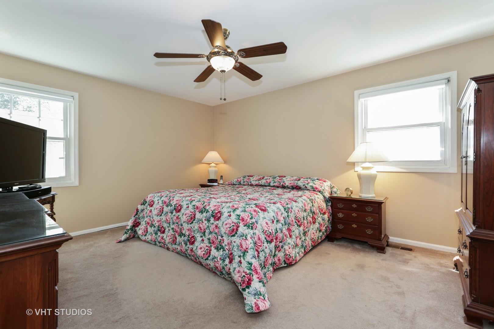 606 Braemar, BARRINGTON, Illinois, 60010
