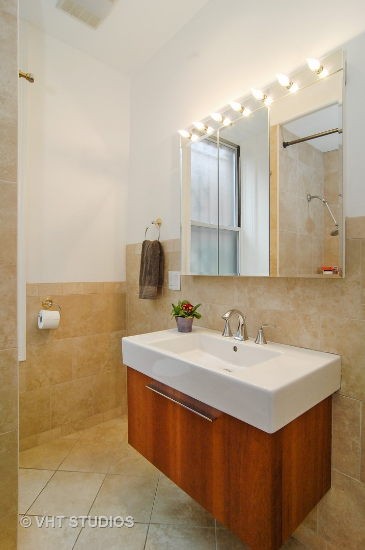 2233 North Halsted, CHICAGO, Illinois, 60614