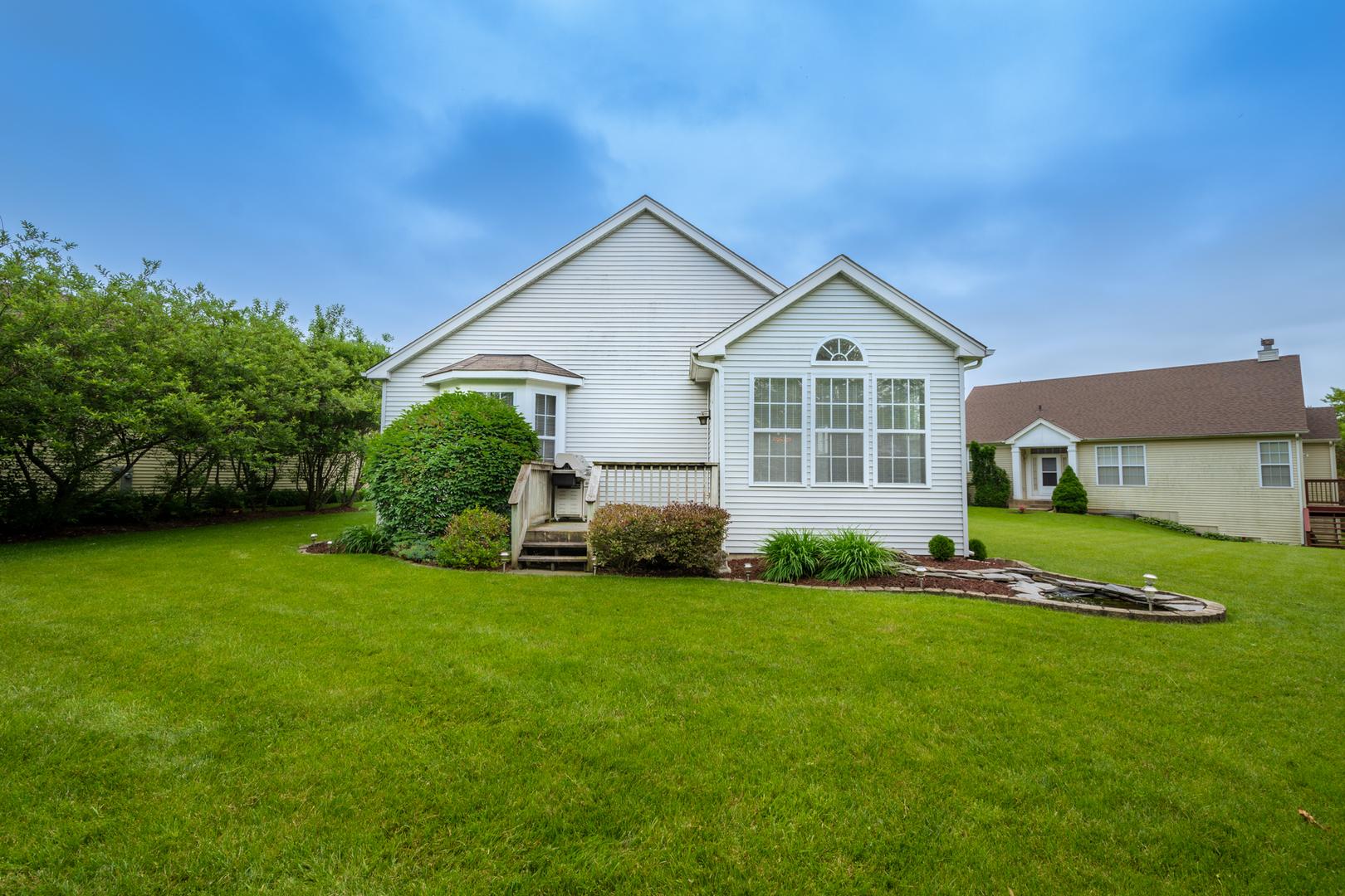 63 West Vandermeer, ANTIOCH, Illinois, 60002