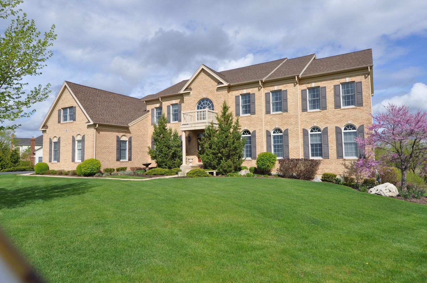 10 Whisper Creek Court, Hawthorn Woods, Illinois 60047