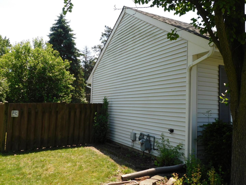 29 Whispering, Streamwood, Illinois, 60107