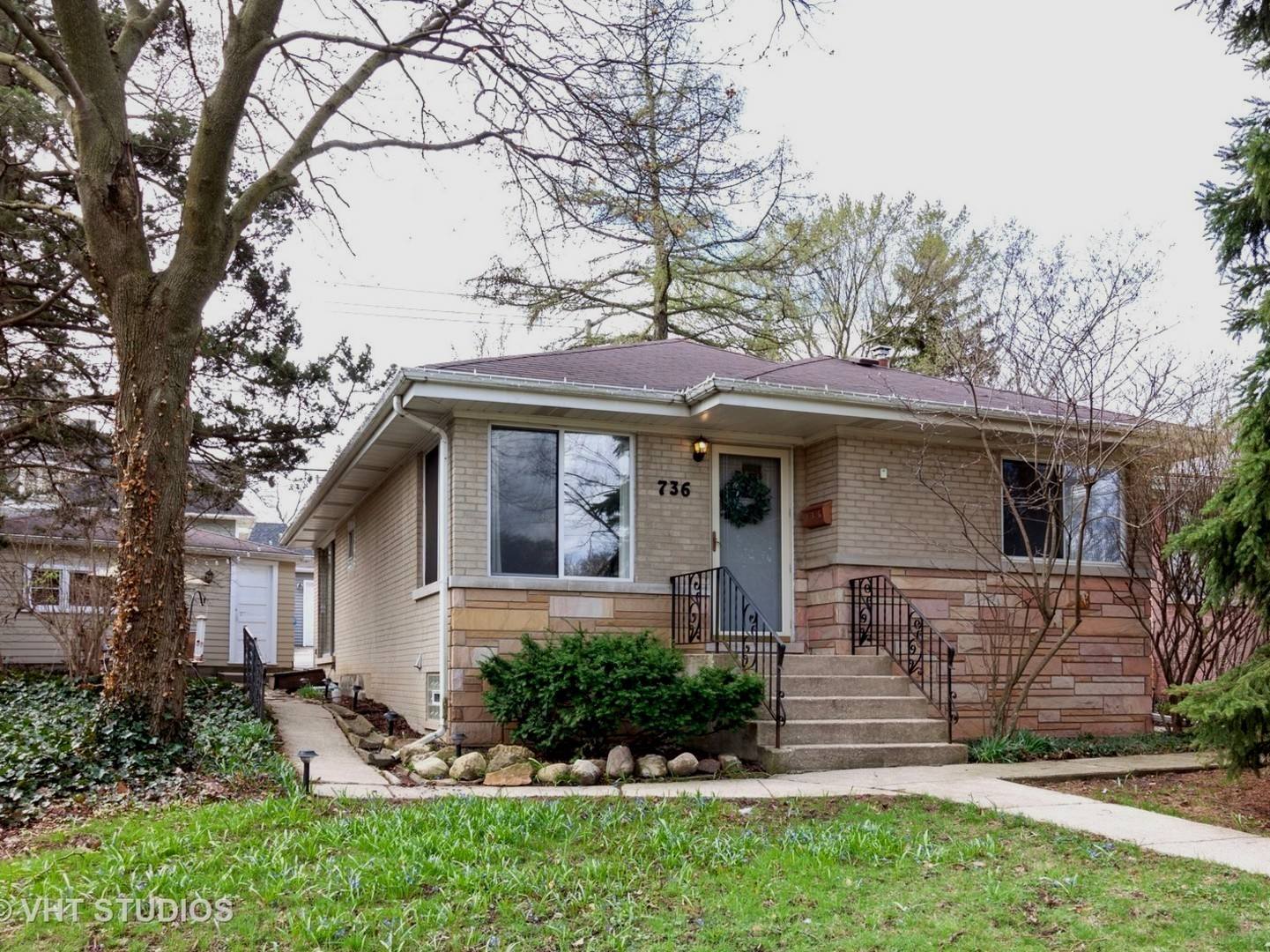 736 West Hinsdale Avenue, Hinsdale, Illinois 60521