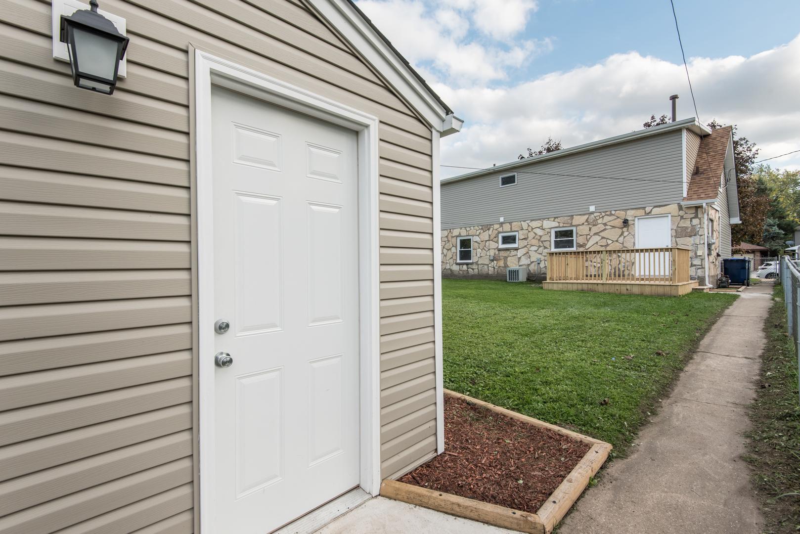 7046 West 115th, Worth, Illinois, 60482