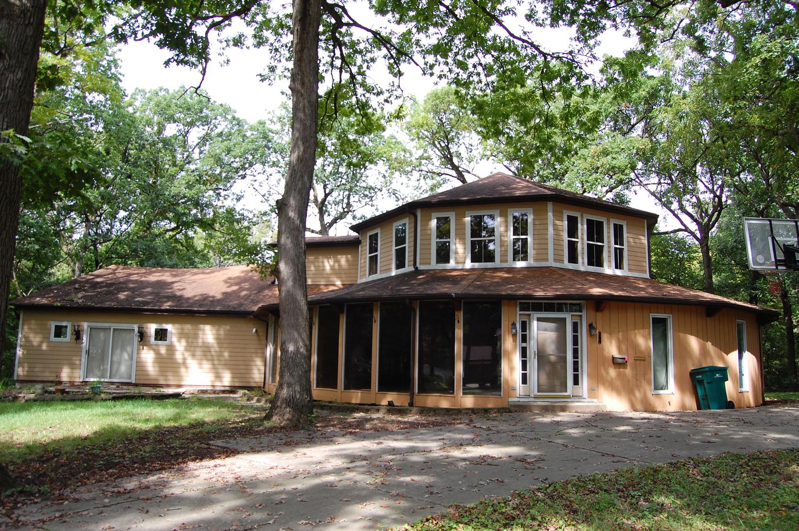 1251 Woodland, Joliet, Illinois, 60436