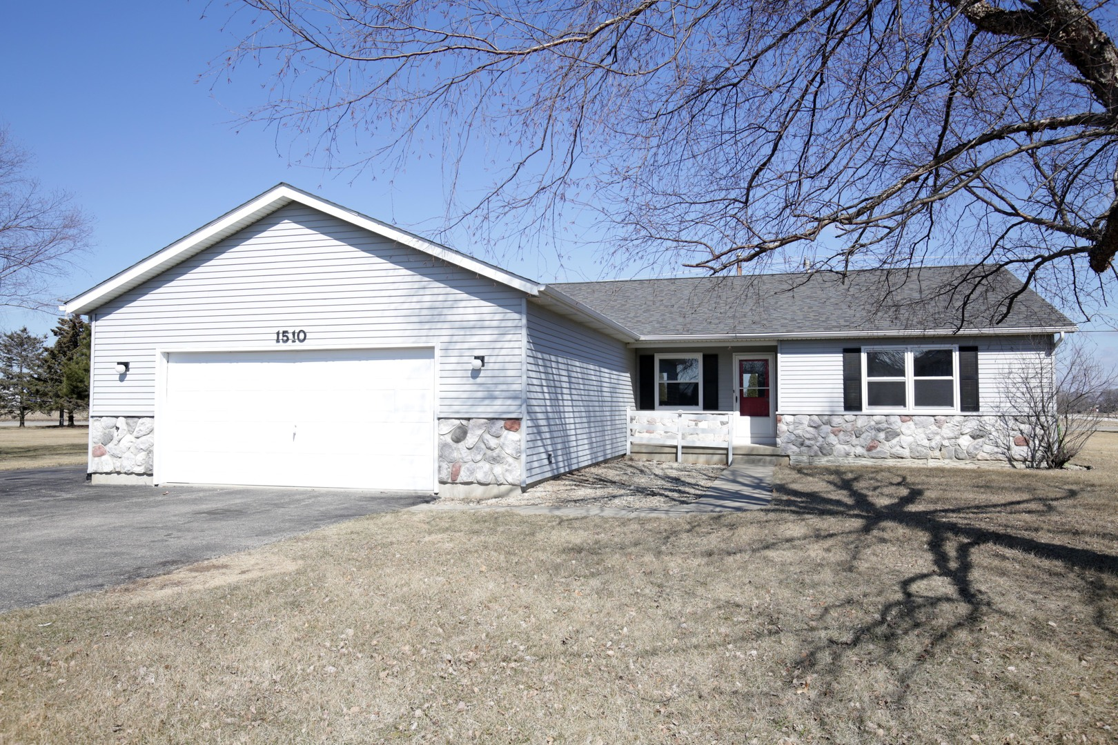 Property for sale at 1510 Cobblestone Court, Johnsburg,  IL 60051