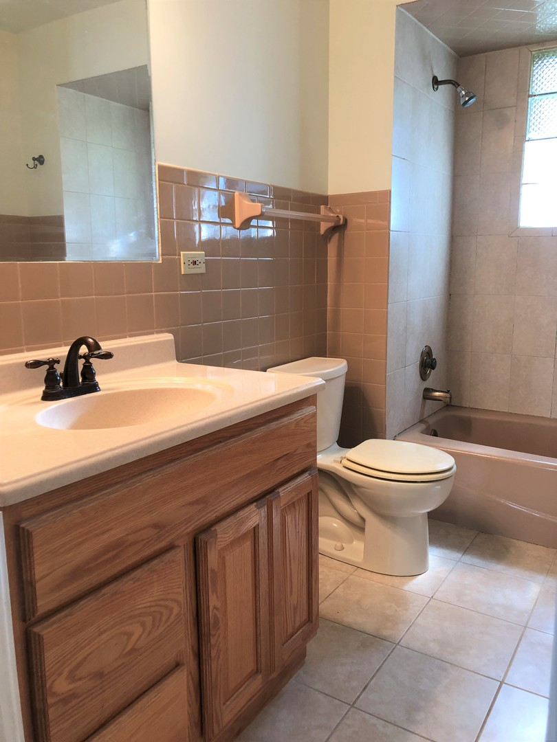 16819 FOREST VIEW, Tinley Park, Illinois, 60477