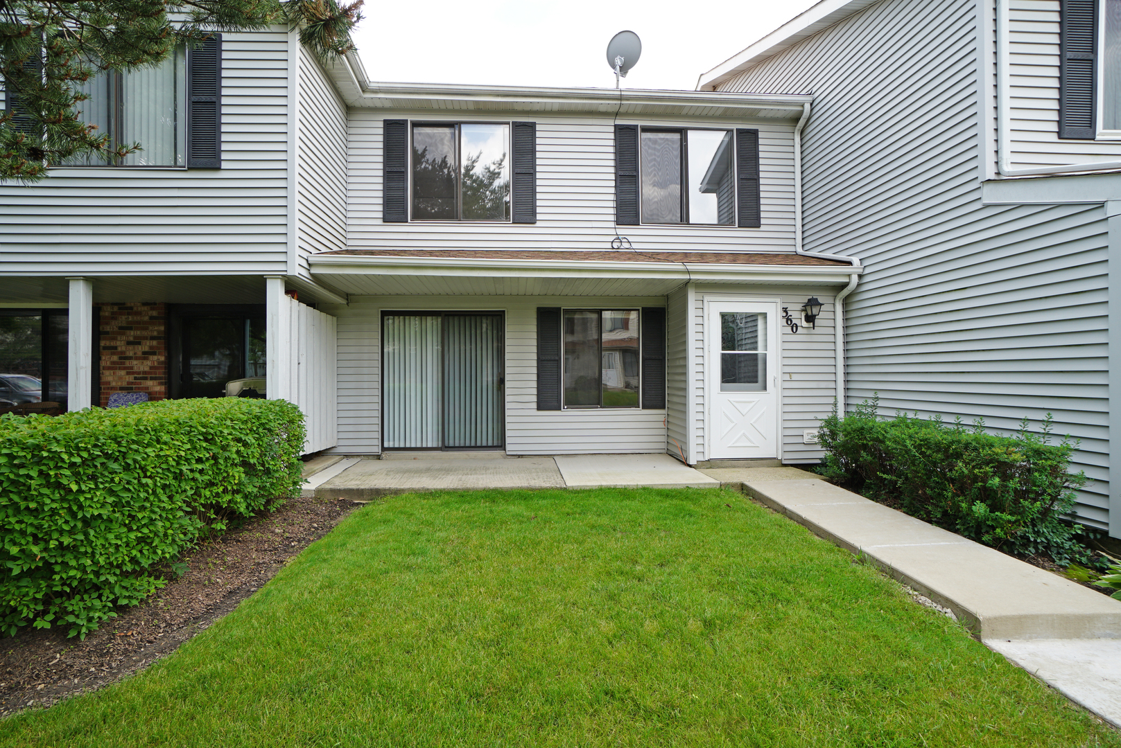360 Washington Court, Vernon Hills, Il 60061