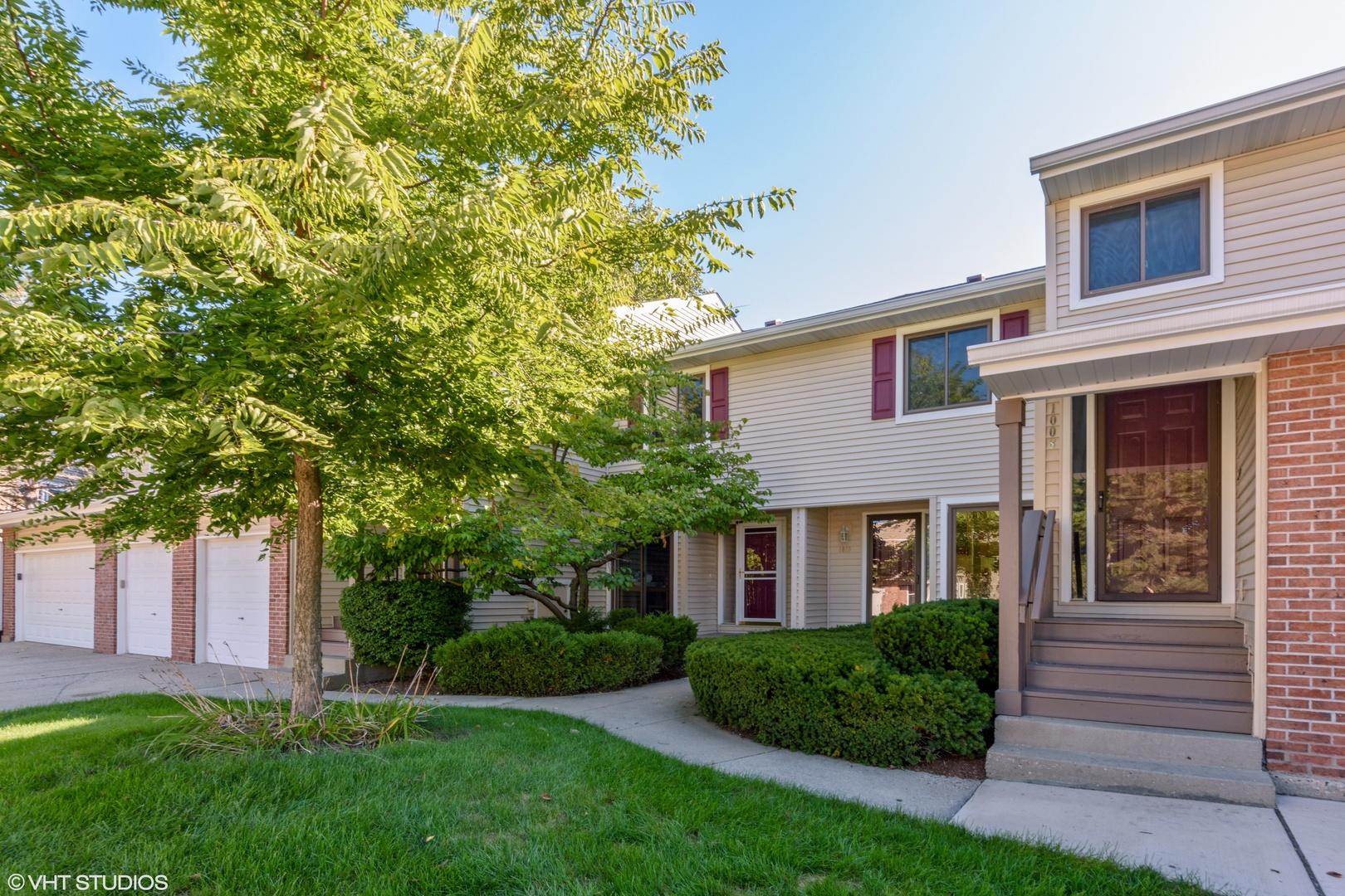 1008 Pinetree Circle, Buffalo Grove, Illinois 60089