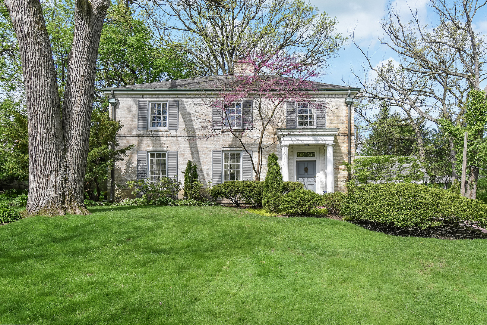 420 South County Line Road, Hinsdale, Illinois 60521