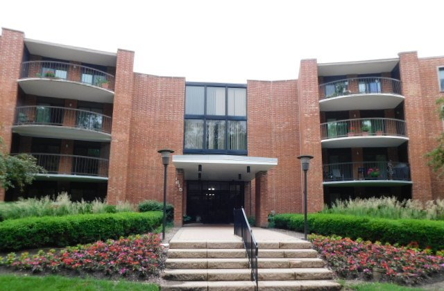 1615 East Central Road, Unit 201a, Arlington Heights, Illinois 60005