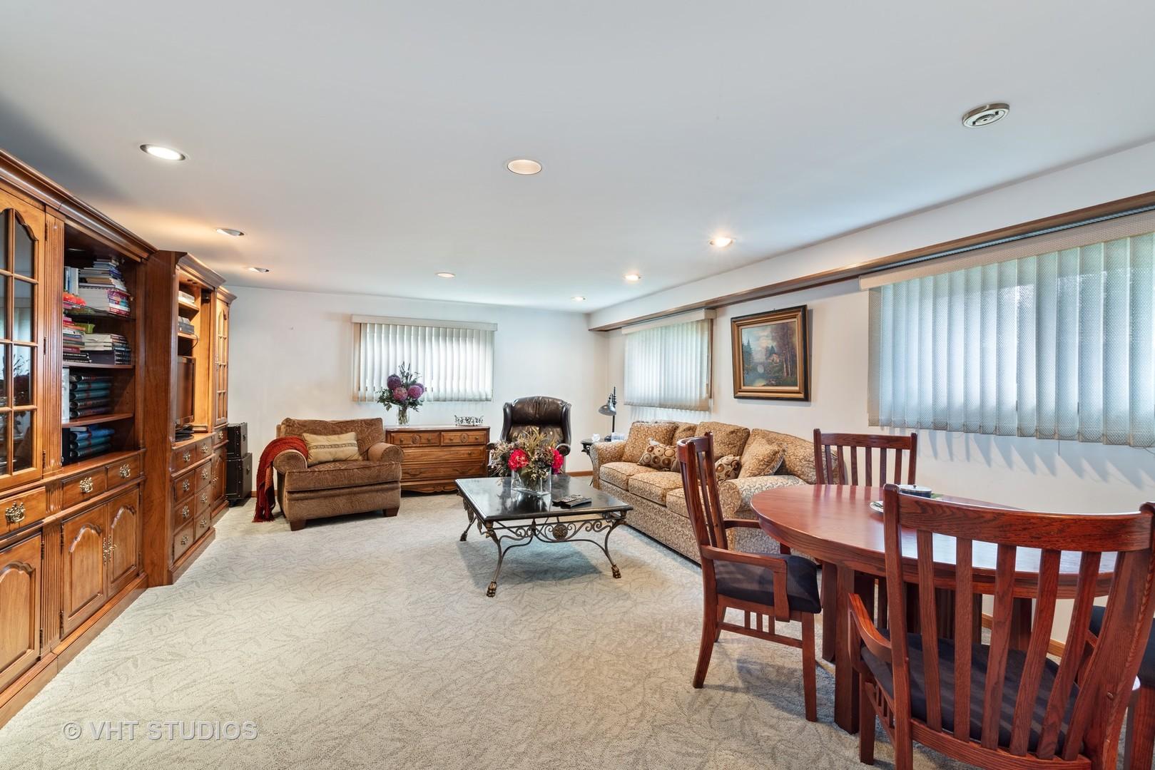 1205 Longmeadow, Glenview, Illinois, 60025