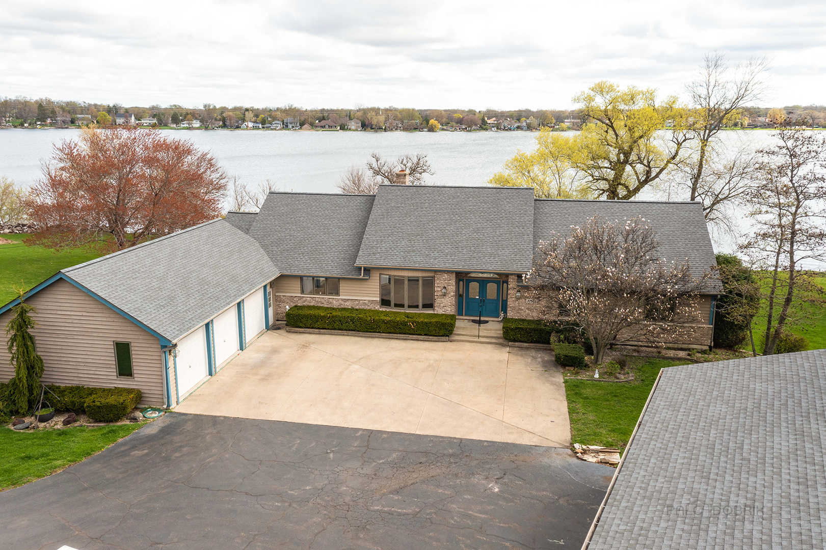 37565 N Douglas Lane, Lake Villa, Il 60046
