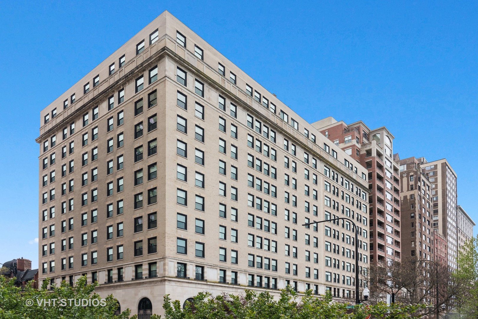 2100 N. Lincoln Park West #6CN