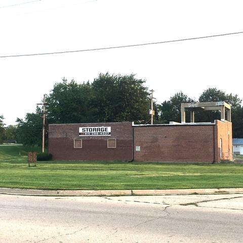 1504 S Galena Avenue, Dixon, IL 61021