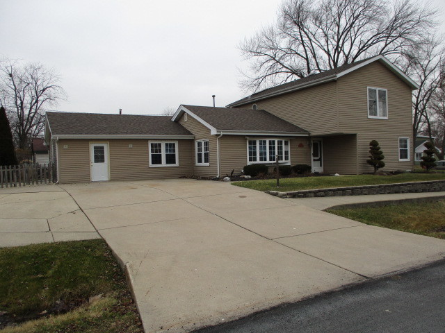 6901 West 112th, Worth, Illinois, 60482