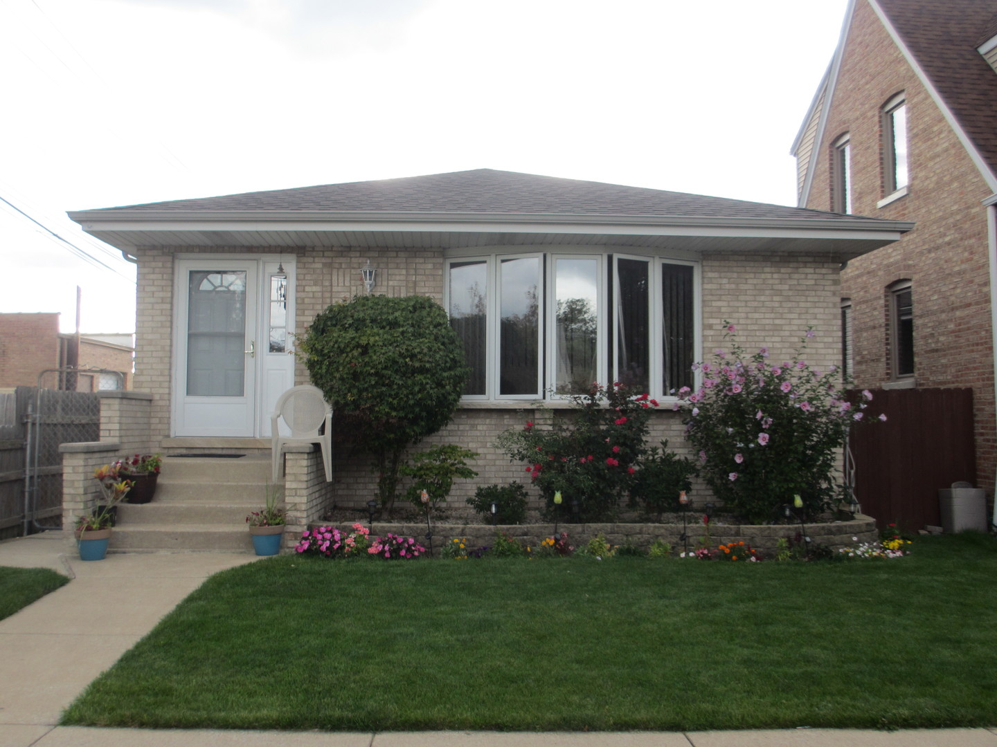 5446 S Rutherford Exterior Photo