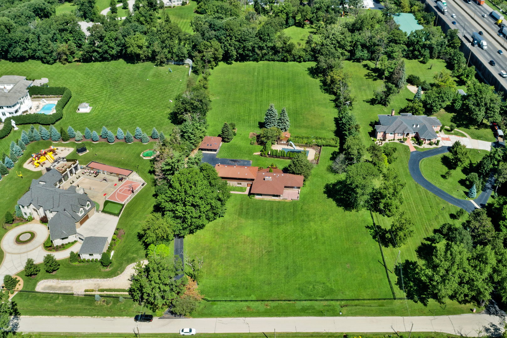 114 Canterberry, Oak Brook, Illinois, 60523