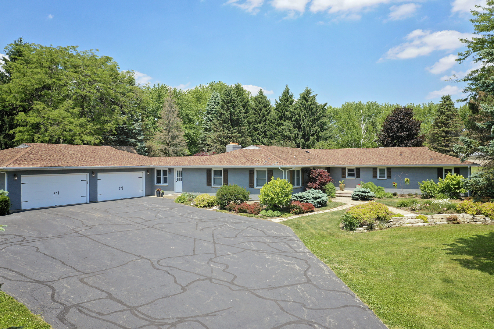 1018 Sunset Road, Spring Grove, Il 60081