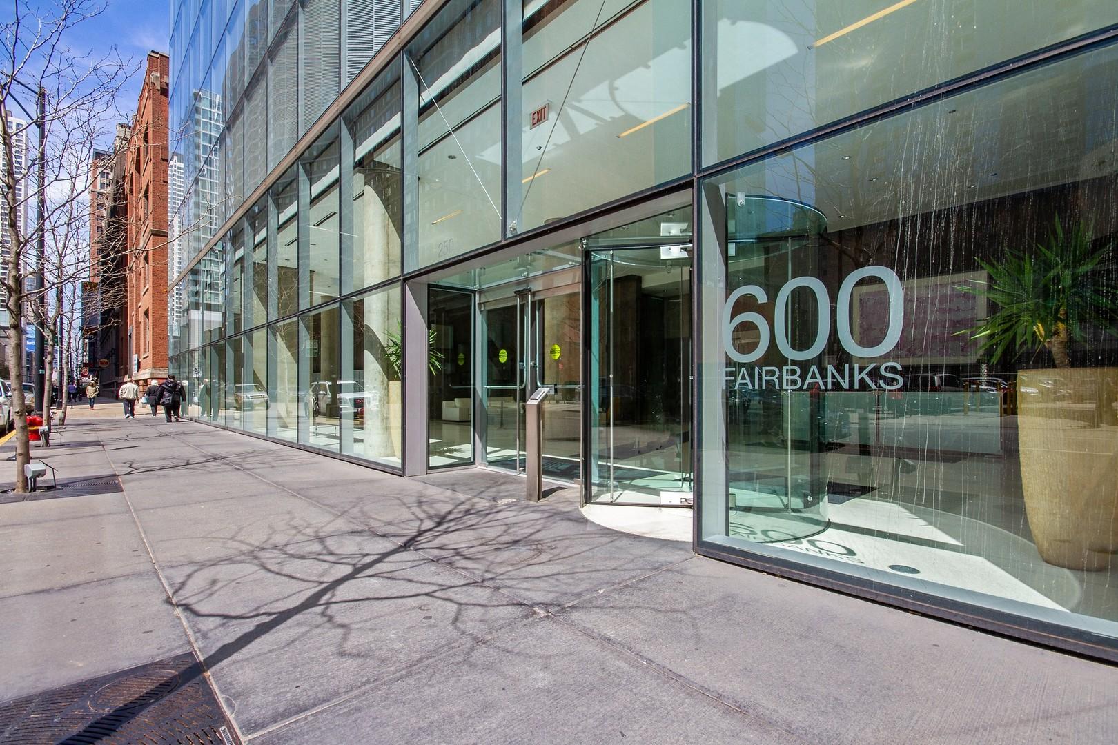 600 N Fairbanks Exterior Photo