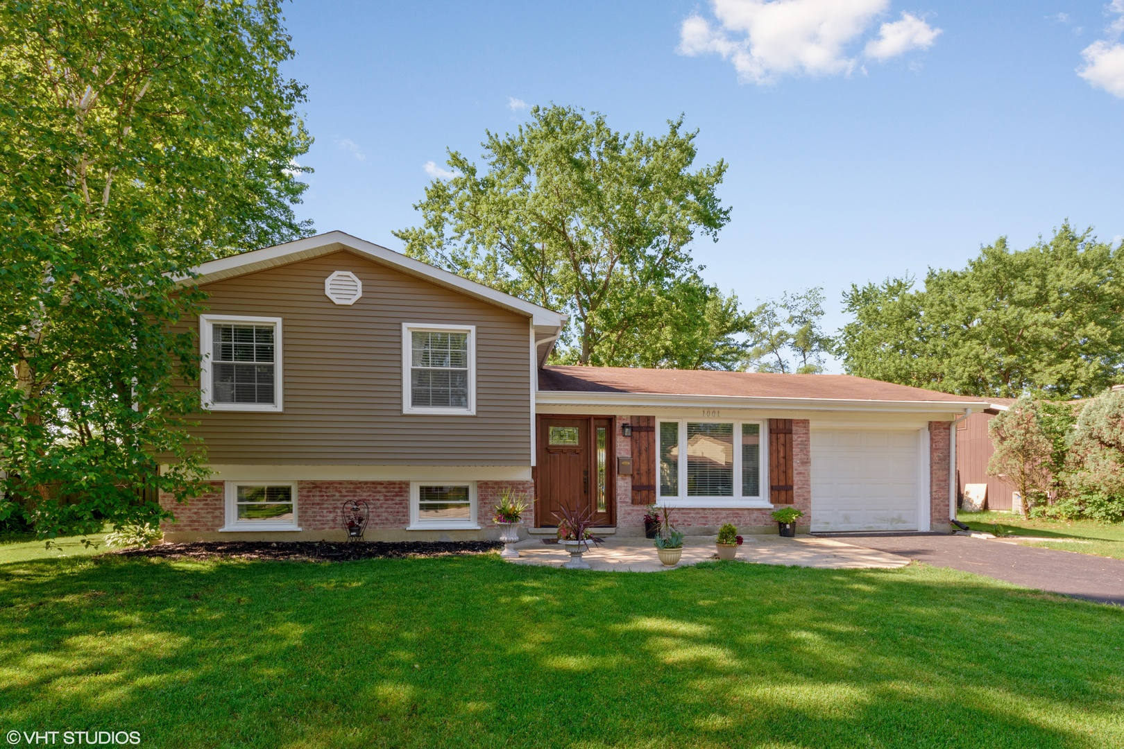 1001 Heartwood Lane, Lake Zurich, Illinois 60047