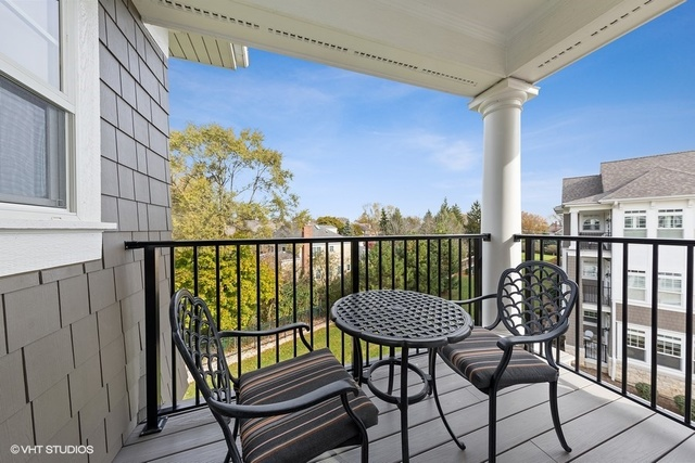 50 West KENNEDY 308, Hinsdale, Illinois, 60521