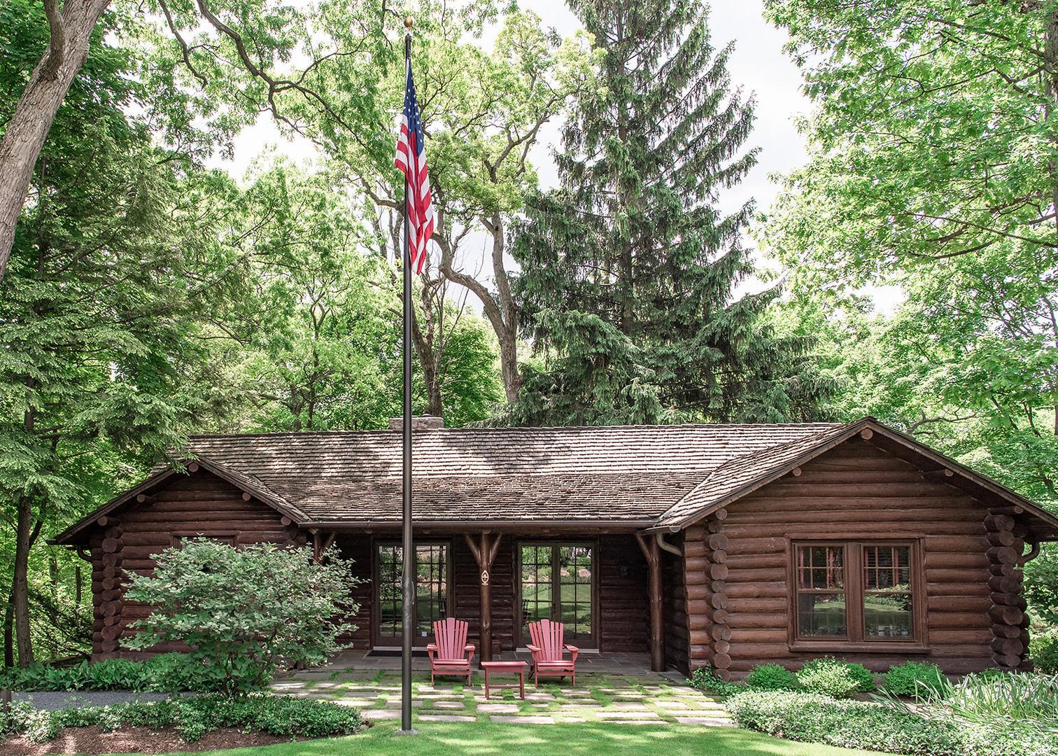 272 South Sheridan, Lake Forest, Illinois, 60045
