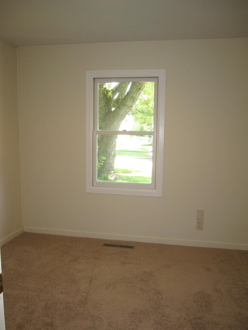 712 LINCOLNWOOD, STREAMWOOD, Illinois, 60107