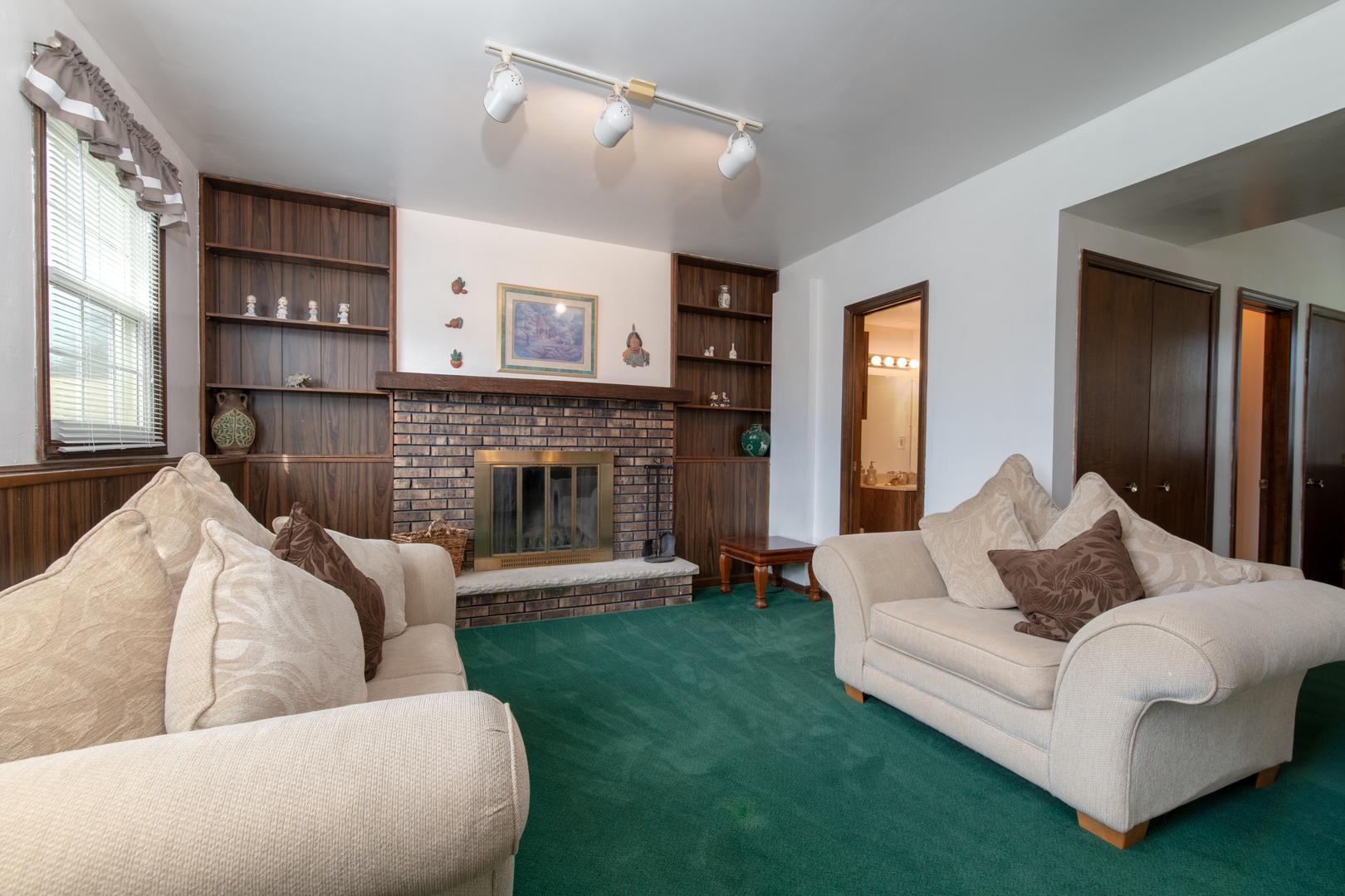 1200 Lehnertz, AURORA, Illinois, 60505