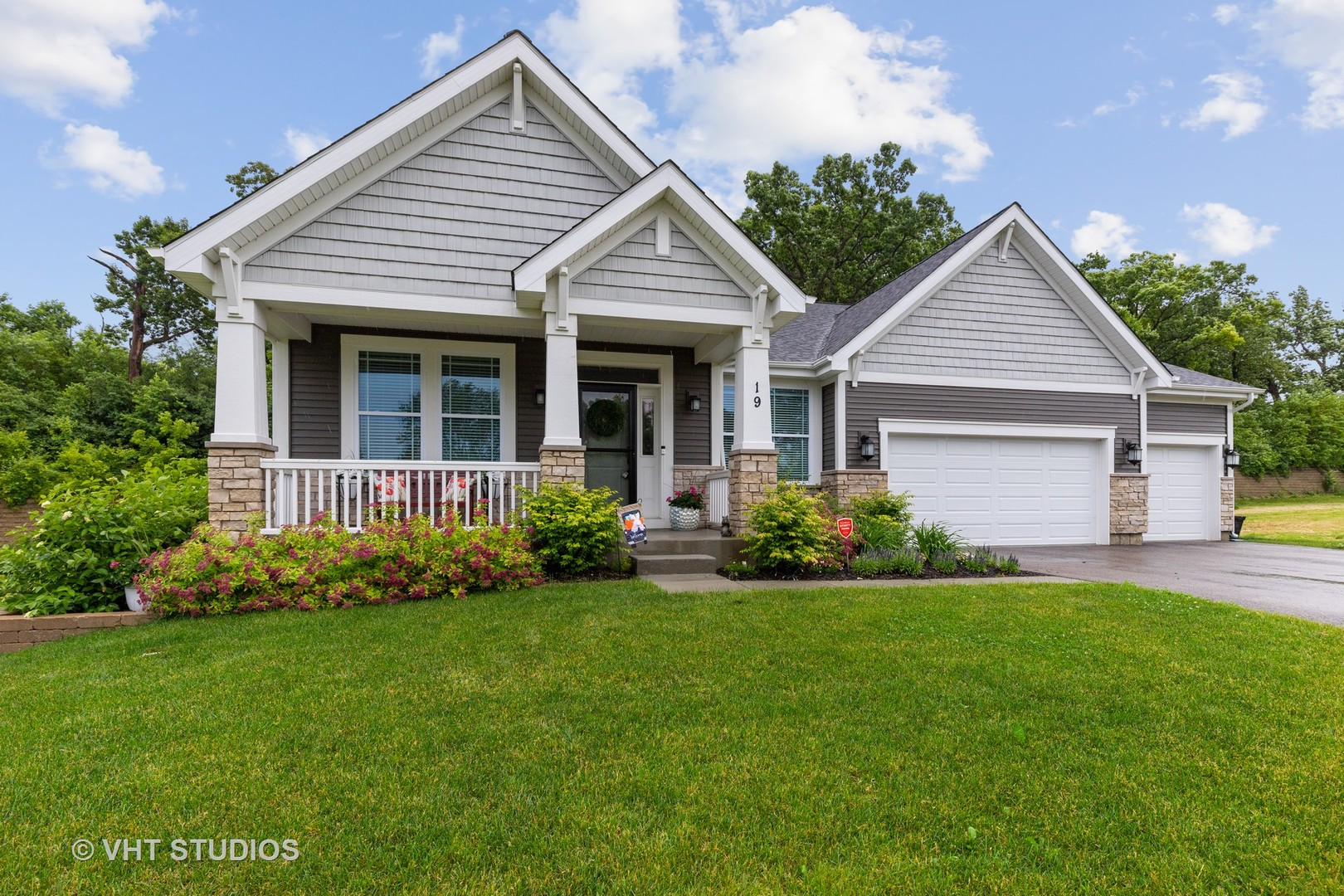 19 Lake Vista Court, Lake Villa, Illinois 60046