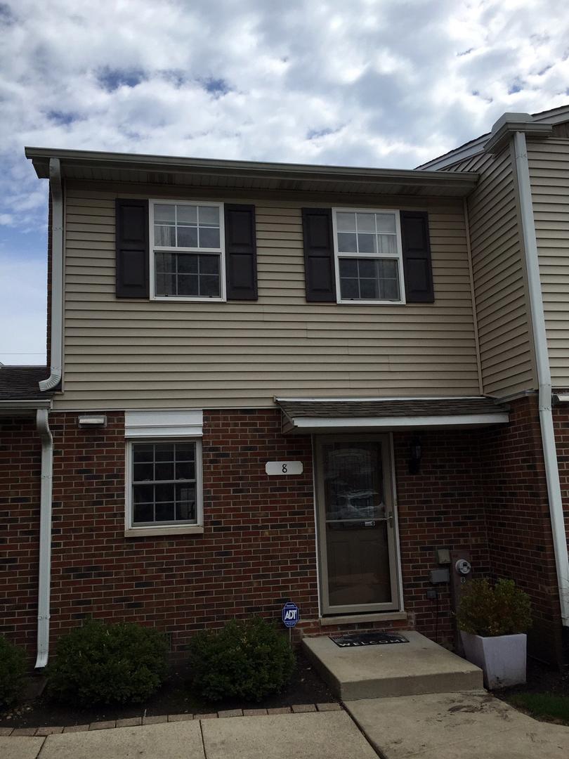 525 West Washington Avenue, Unit 8, Lake Bluff, Illinois 60044