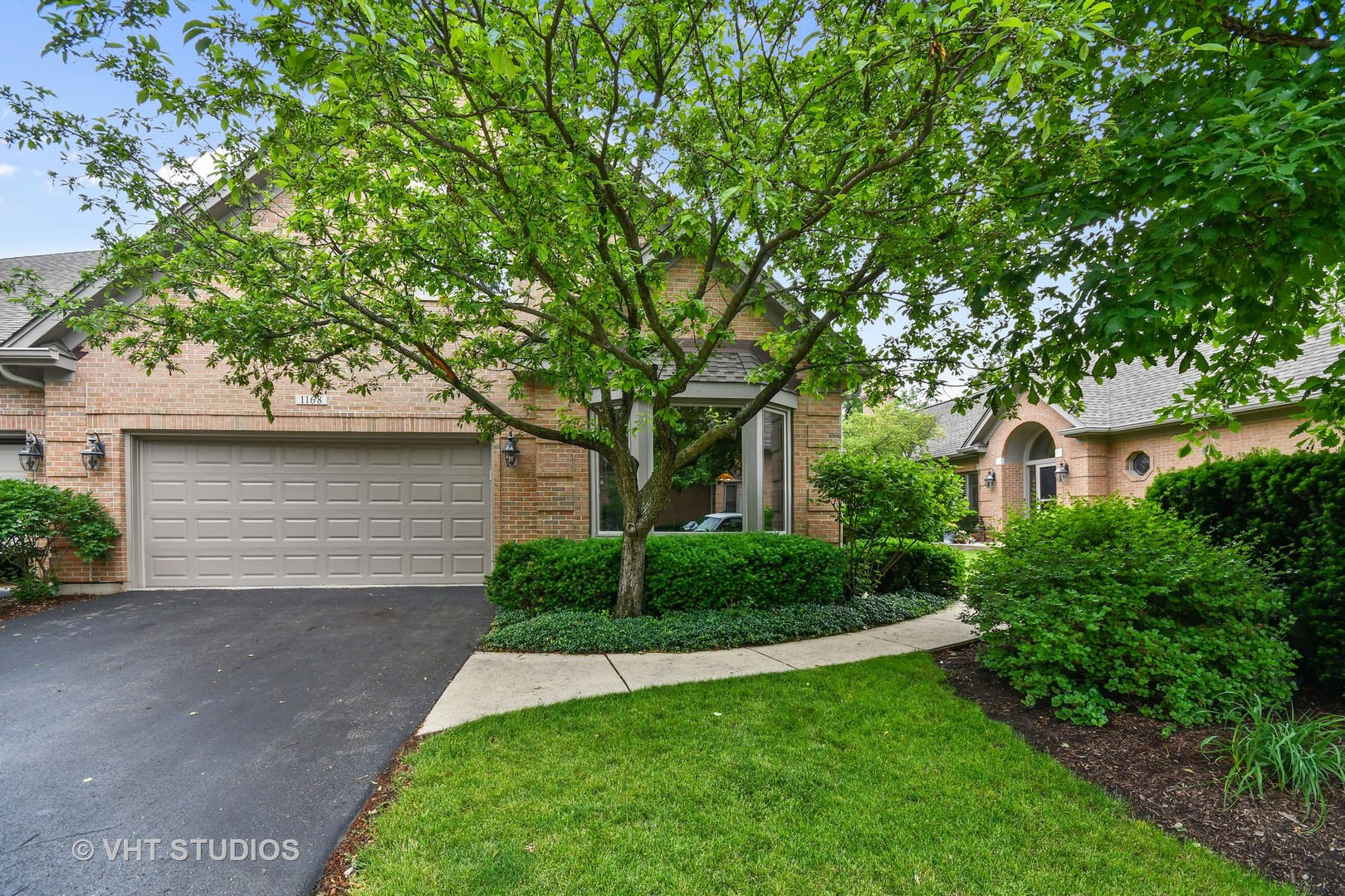 1168  Willowgate,  ST. CHARLES, Illinois