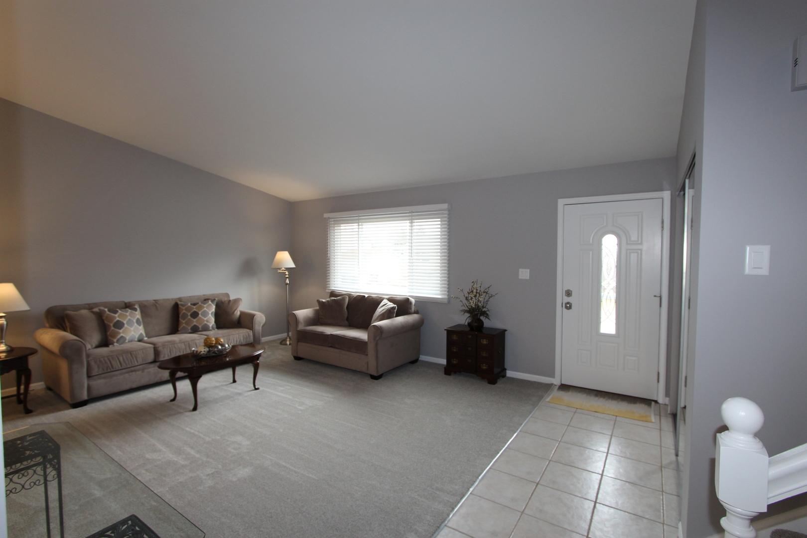 4530 BICEK, Hoffman Estates, Illinois, 60192