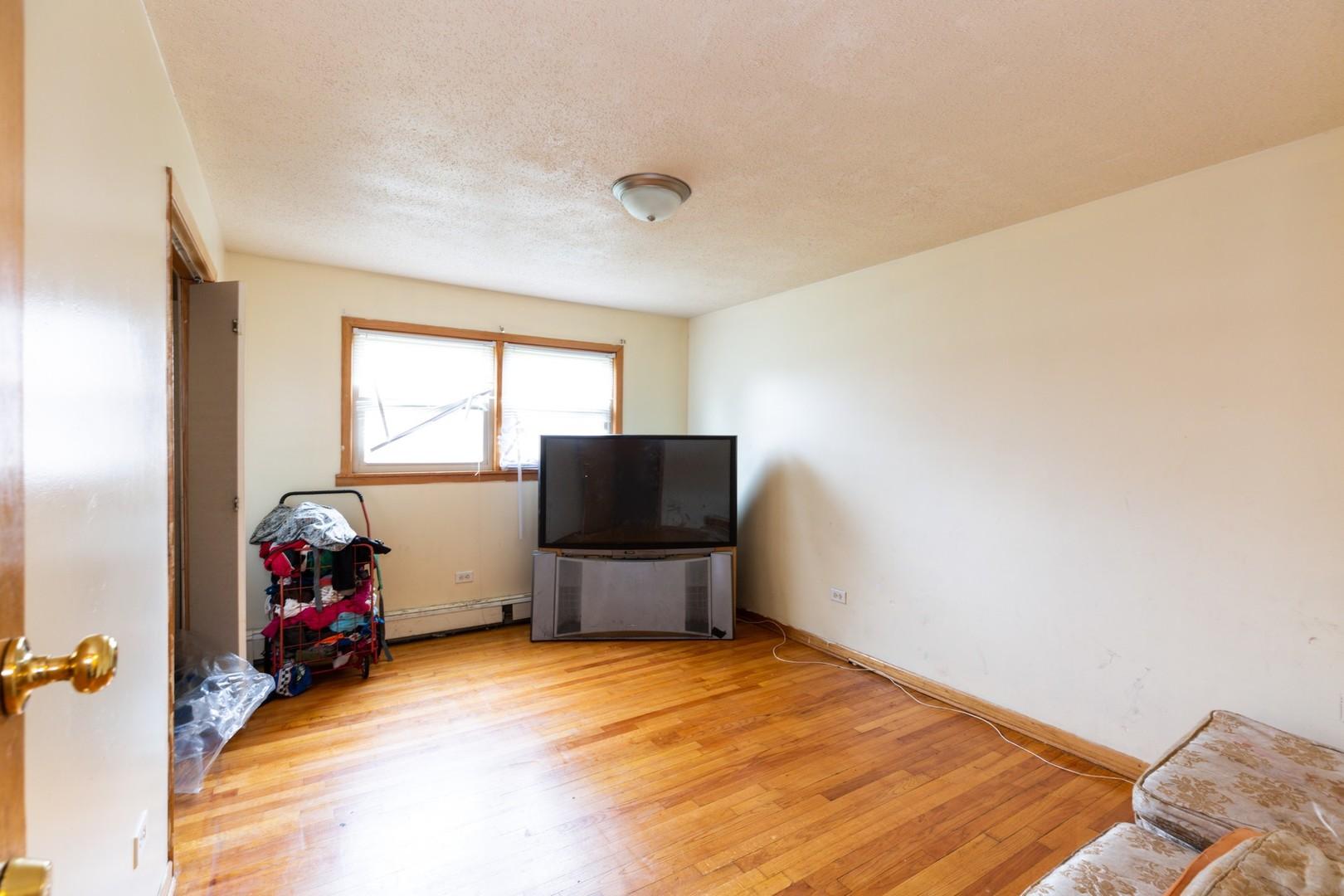 303 CRANDON, Calumet City, Illinois, 60409