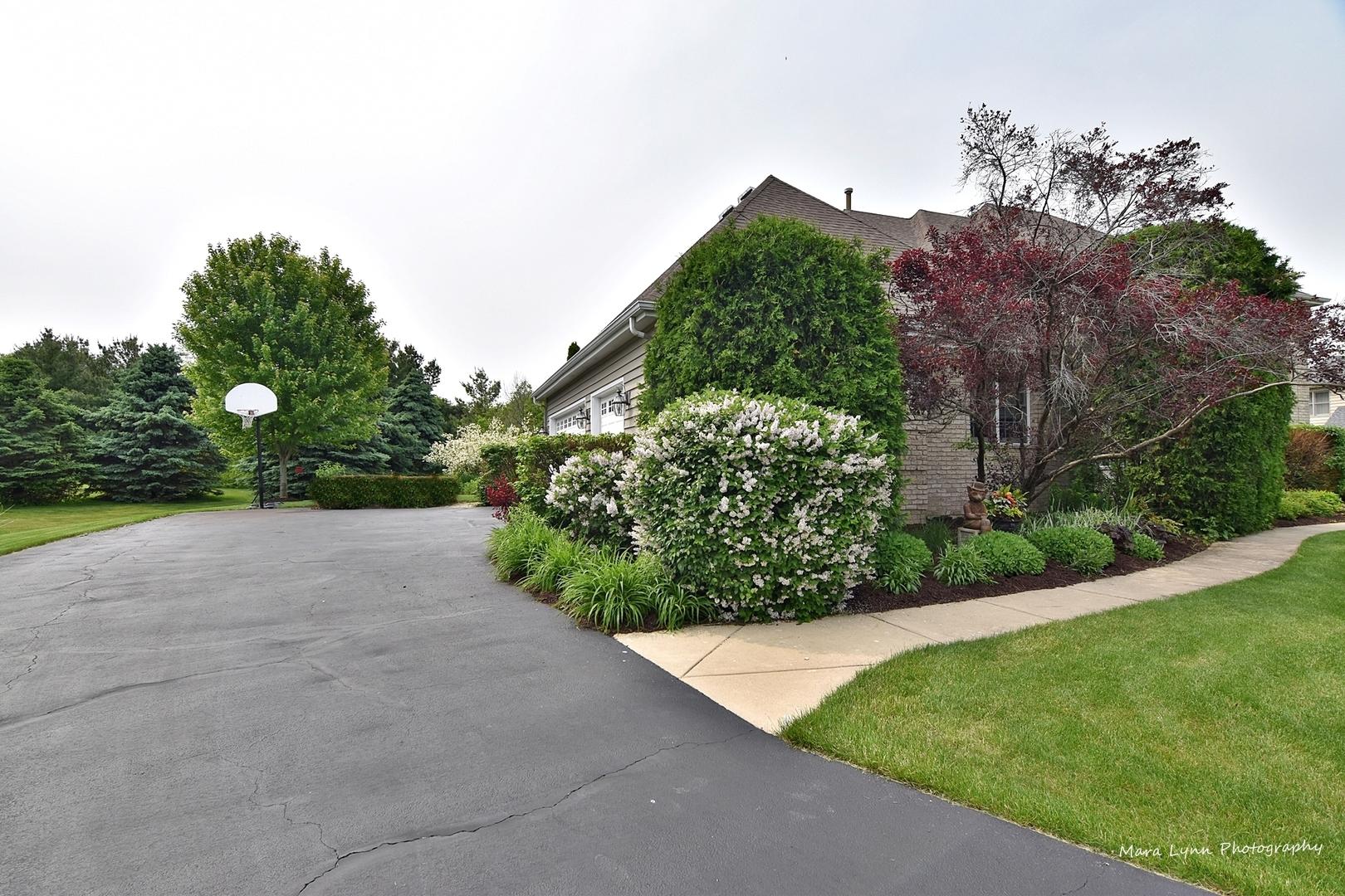 39W356 Cambridge, ST. CHARLES, Illinois, 60175